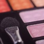 化粧品の使用期限を守らないと肌荒れに。未開封と開封後に違いはあるの?